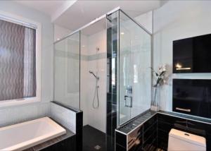 Salle de bain maison neuve Saint-Romuald